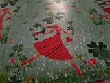Vrouw met Klavertje Vier - Ansichtkaart vierkant_