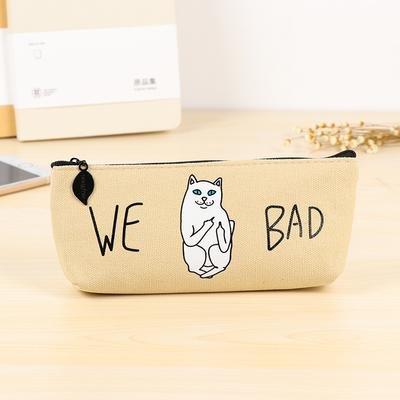 'We Bad' Kat Middelvingers Etui Beige