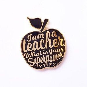 I am a teacher Pin Zwart