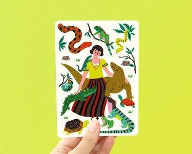 Reptielen en Vrouw - Ansichtkaart