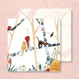 Meisje en Kat in Boom - Vierkante Postkaart met Envelop