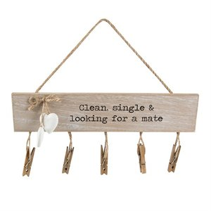 Clean, Single & Looking for a Mate Sokken Hanger